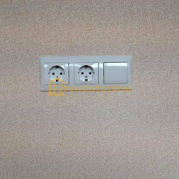 Фото установка выключателя с розетками в СПб
