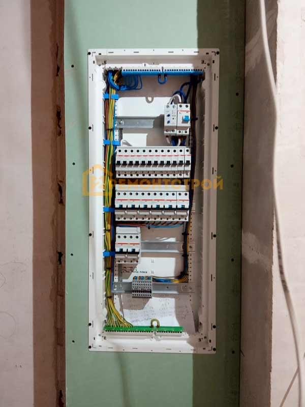 Фото монтаж и сборка электрического щита в СПб