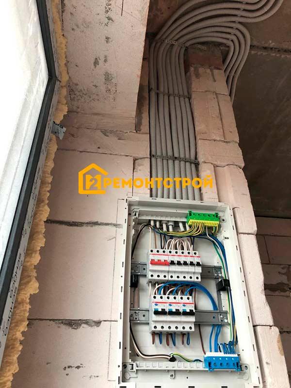 Фото монтаж электропроводки в доме из газобетона Санкт-Петербург