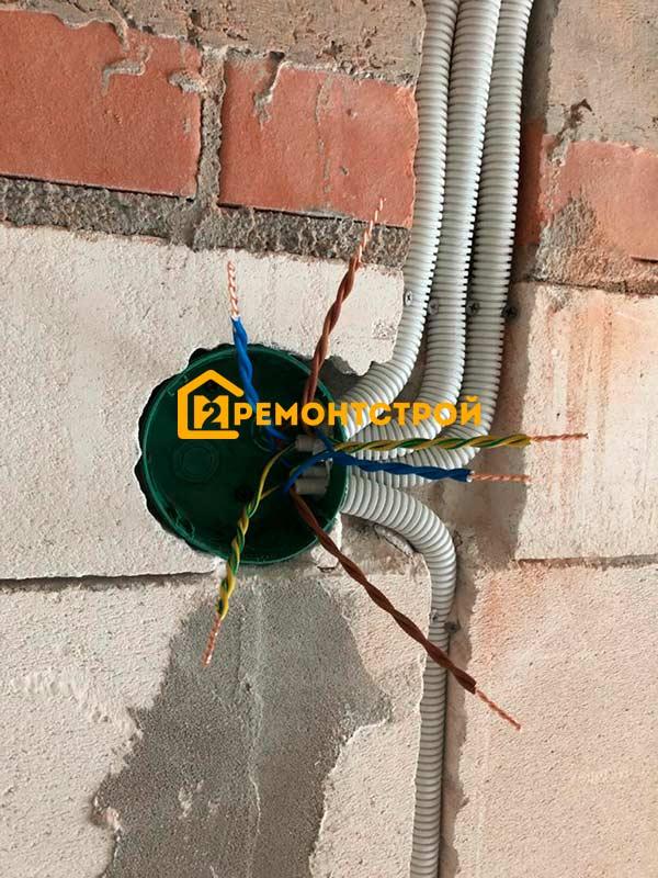Фото монтажа проводки в доме из пеноблока